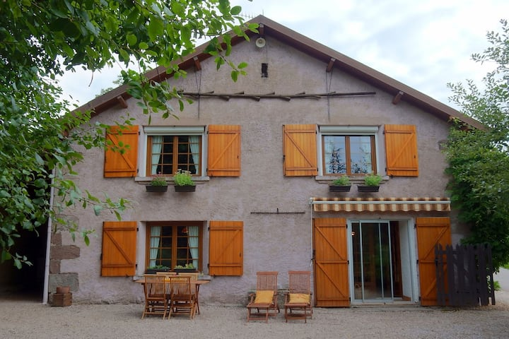 Beautiful Holiday Home in La Chapelle-aux-Bois with Garden