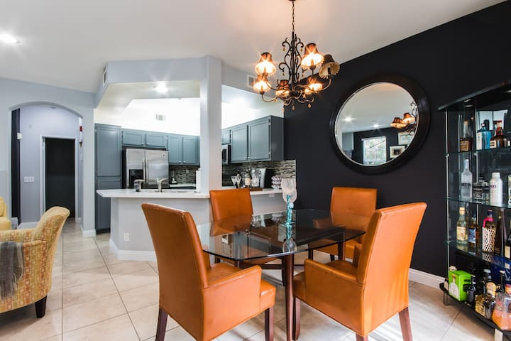 2 B-Rooms & 2 1/2 Bath furnished CA