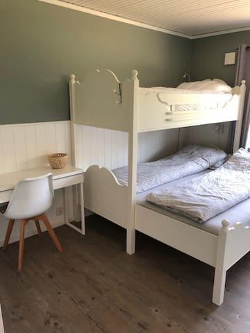 Bedroom 2 - 3 beds