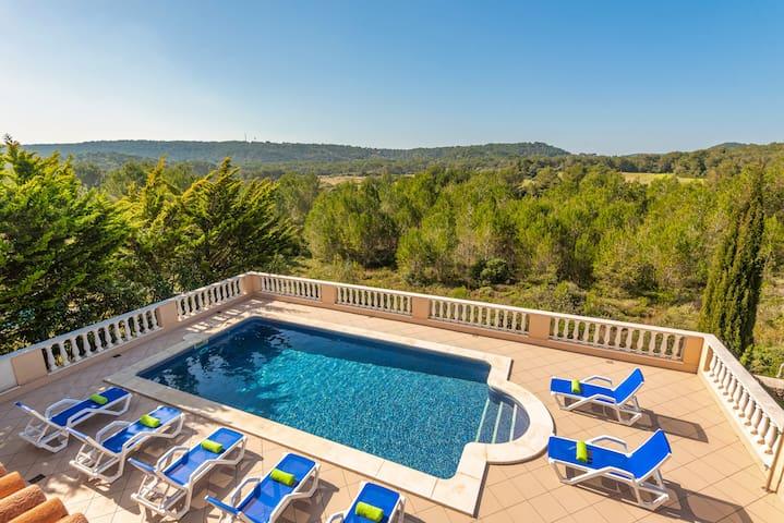 Villa Pili - private pool, views, free AC & WiFi