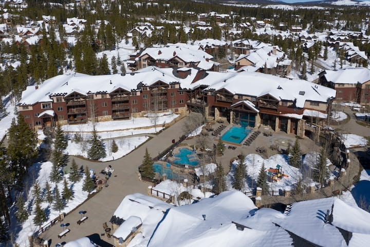 Grand Timber Lodge Two-Bed Condos