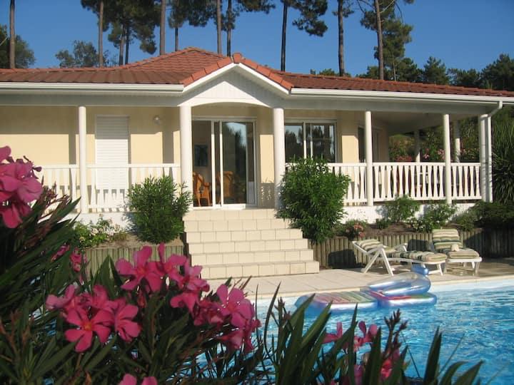 Villa 3 ch piscine privée chauffée sur le golf