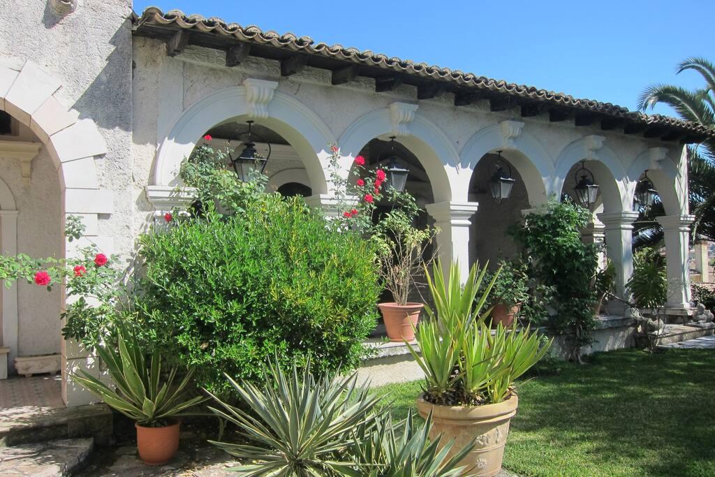Venetian Style Arches in Front Verandah Area