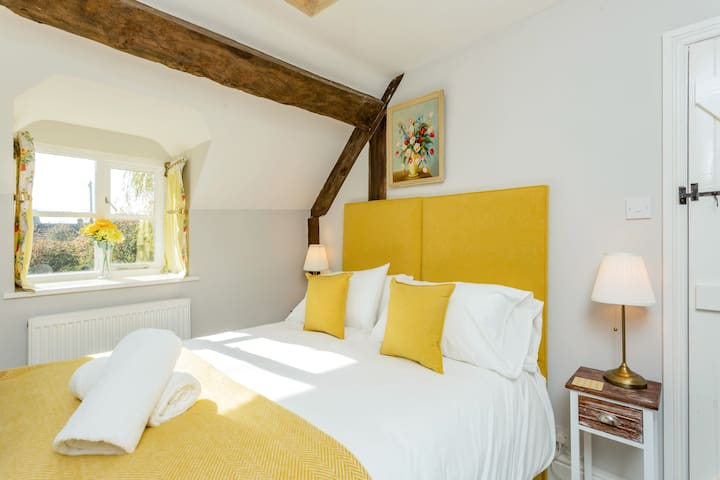 Dunford Barn Yellow Bedroom as a King