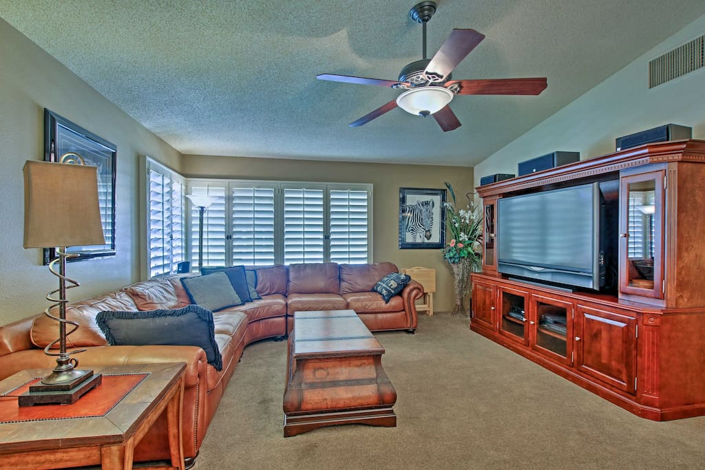 The 2,250-square-foot interior boasts 3 bedrooms and 2 bathrooms.
