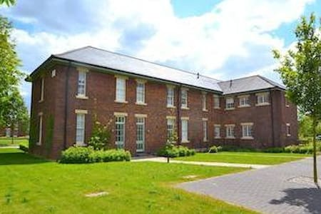 Grade II Listed Apartment - Bicester