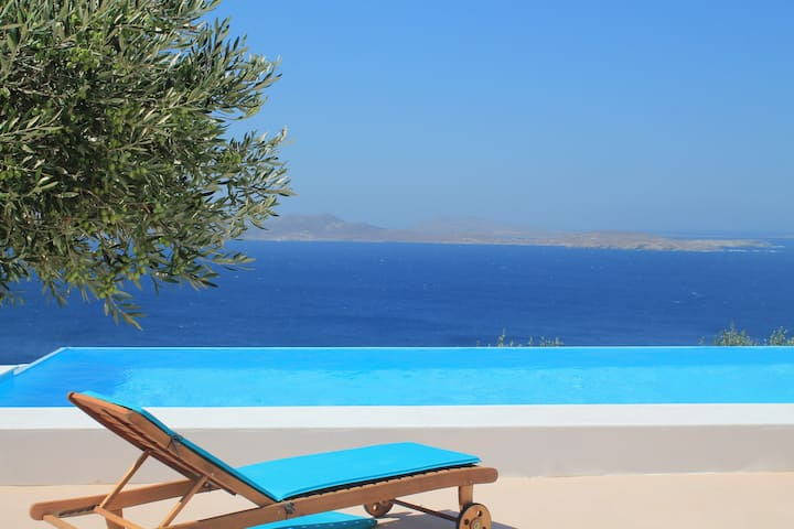 Private Infinity Pool Near Mykonos Town