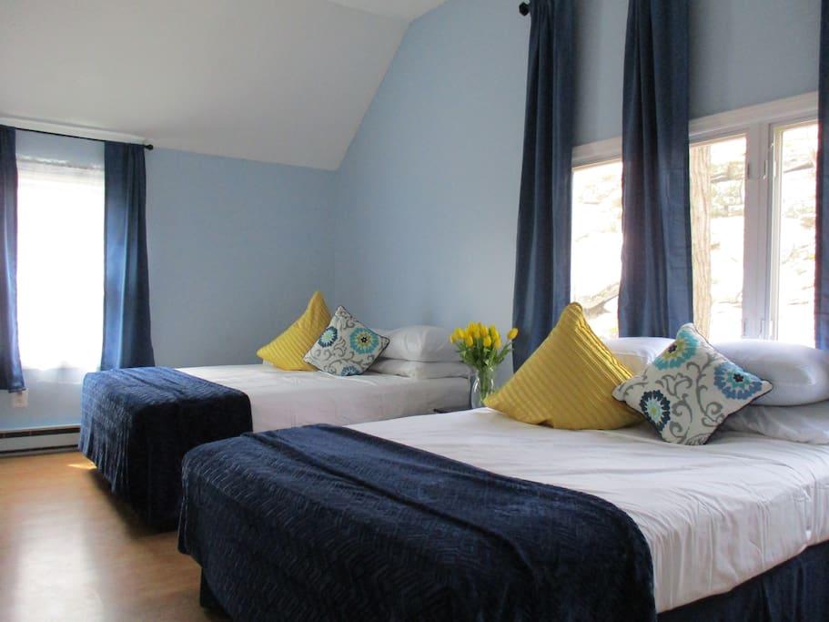 Bedroom #2- 2 queen beds, TV, connecting door to bathroom,  with a beautiful scenic view.