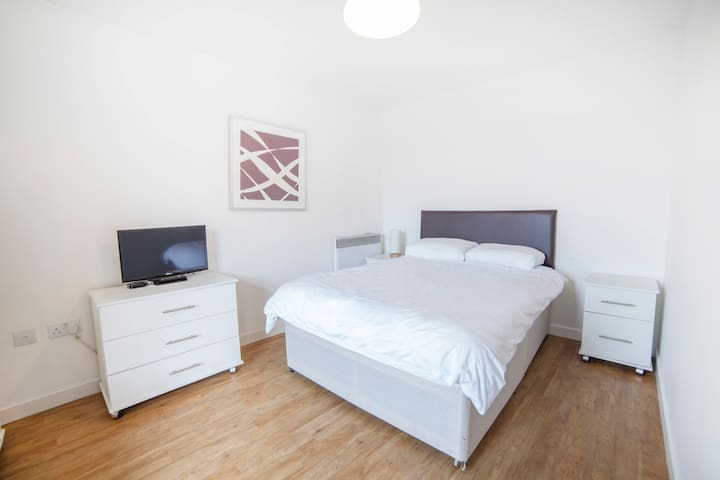 Beautiful Double room With netflix - Londen