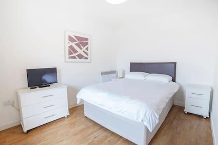 Beautiful Double room With netflix - Londres - Apartamento