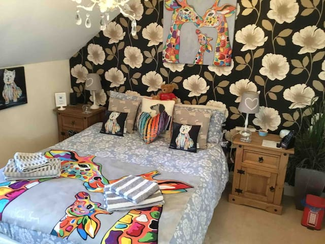 Private room and En suite in Coleford .
