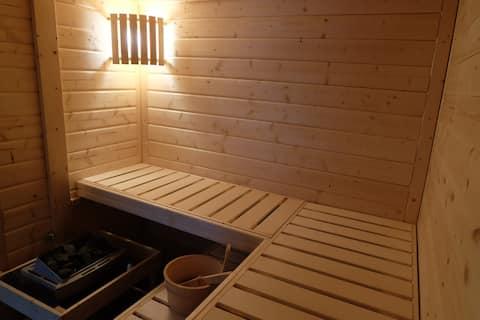 Ferienhaus am Wald mit Sauna, Doppelhaushälfte