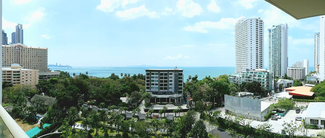 Koh Larn view from 8 floor balcony - overall view