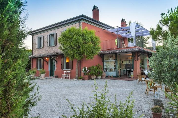 Mooi vakantiehuis in San Giovanni in Marignano met tuin