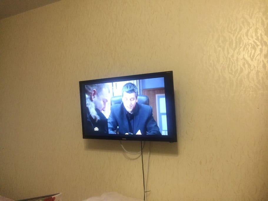 Плоский телевизор
