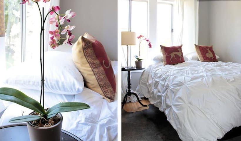 Elegant 1 bedrm in quiet yet central, LA location