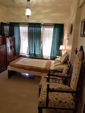 Ensuite room in Bandra (W), Mumbai - Mumbai - Apartment