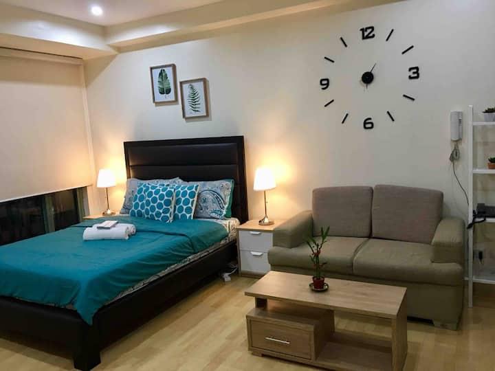 Cozy Studio Unit in Soho Central Private Residence