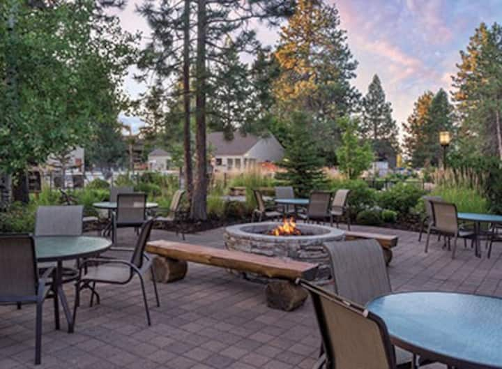 Seventh Mountain Resort - Studio Condo - Bend, OR