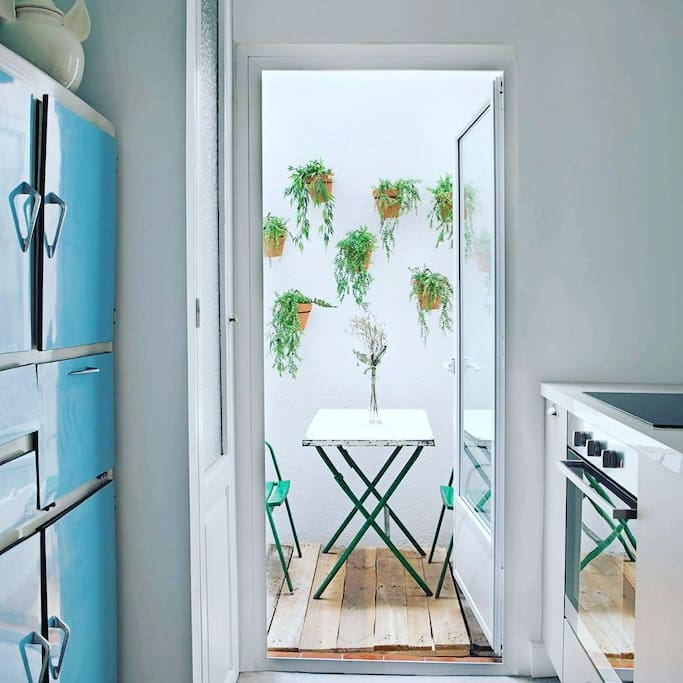 Cocina y patio