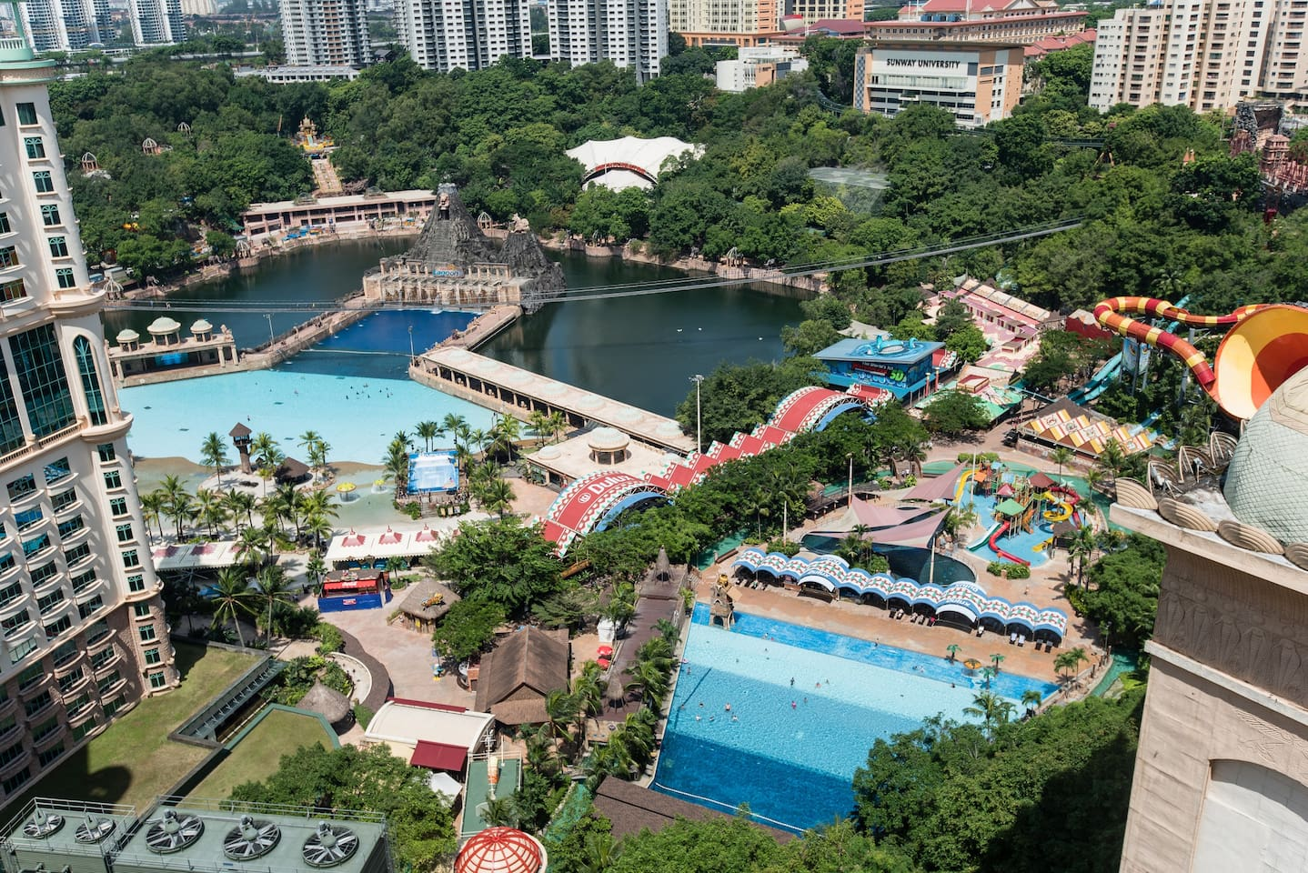 Sunway Lagoon is just next to the Pyramid Hotel Entrance