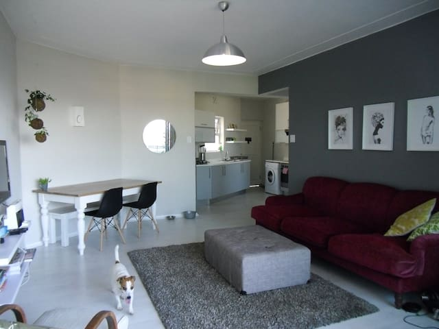 Bedroom in shared flat available - Cape Town - Daire