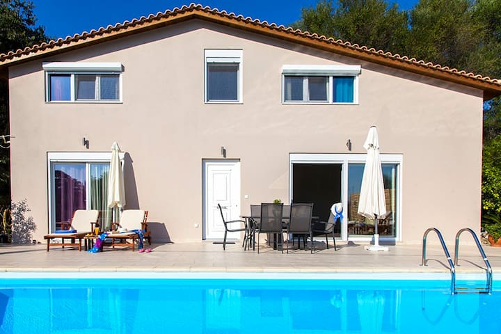 Early Bird Offer: Family Villa with pool In Lygia