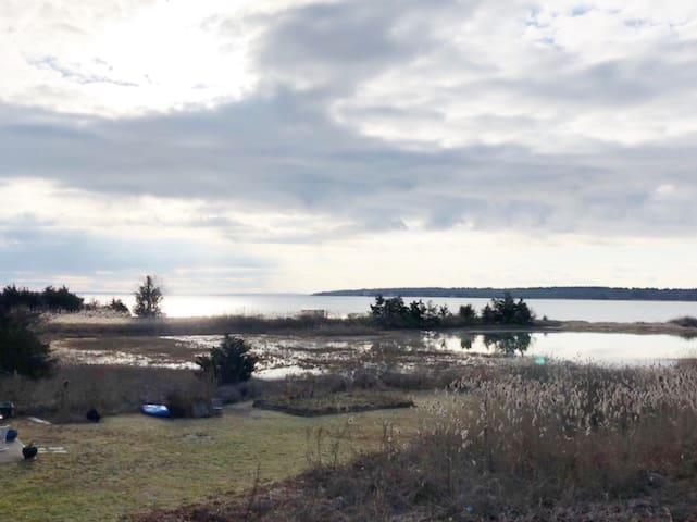 Quaint New England seaside village spacious suite