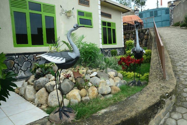 PRIVATE ROOM IN KIBAGABAGA
