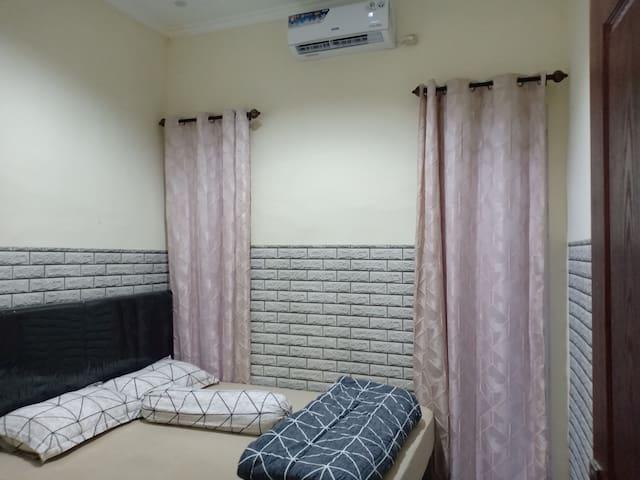 Home stay Sari'ah Bunga Tanjung Kav. 34  Batu