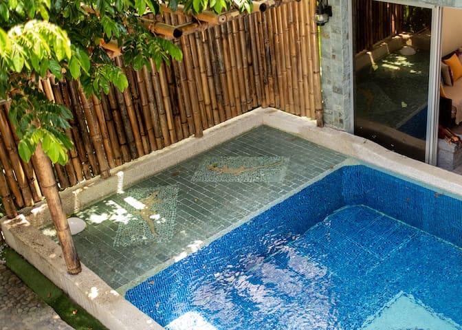 Coravida Comfort Triple Room in Villa Jacana J6