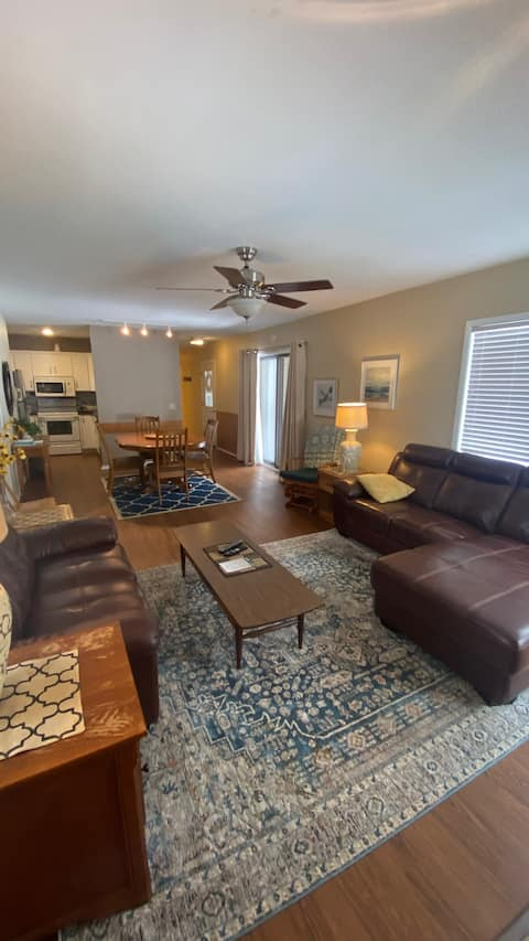 Large condo perfect for all occasions!