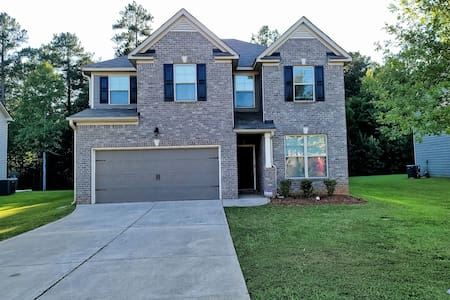 Luxury family home located in the heart of Hampton