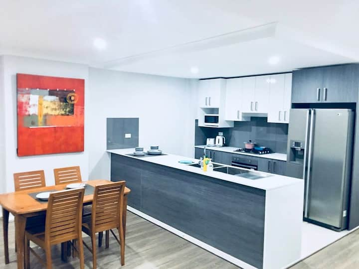 Sydney, Ultra modern, Clean Entire 3bed room