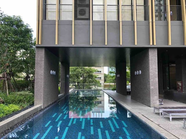 Apple Room Bangkok New House for Sale or rent
