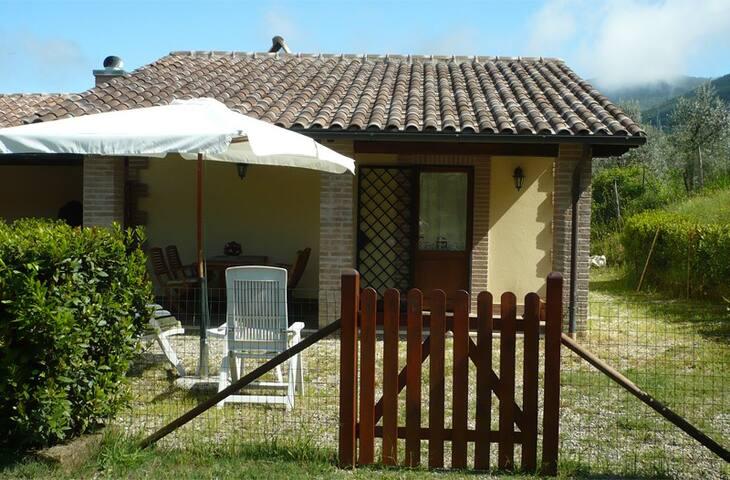 "casa indipendente a ""Eco B&B Villa Eleiva"""