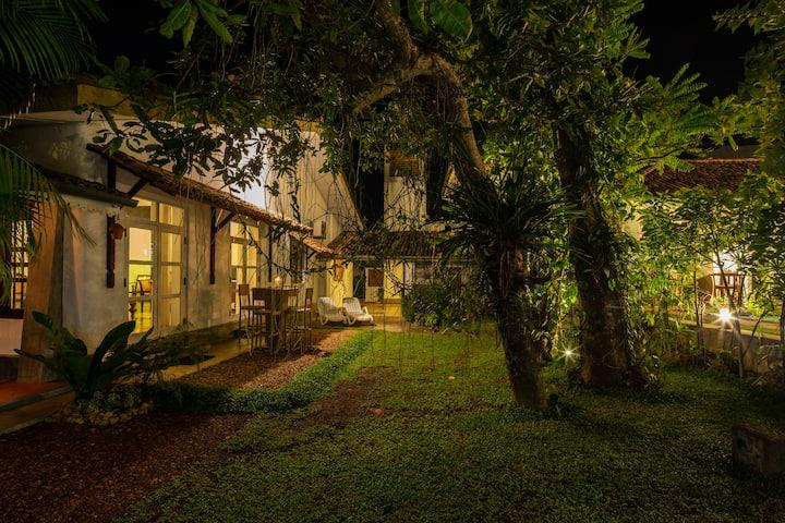 Bilin Tree House Holiday Villa