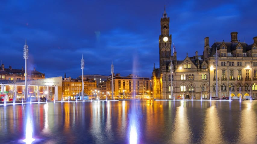Charming City Apartment - Sleeps 6 - Bradford - Apartemen