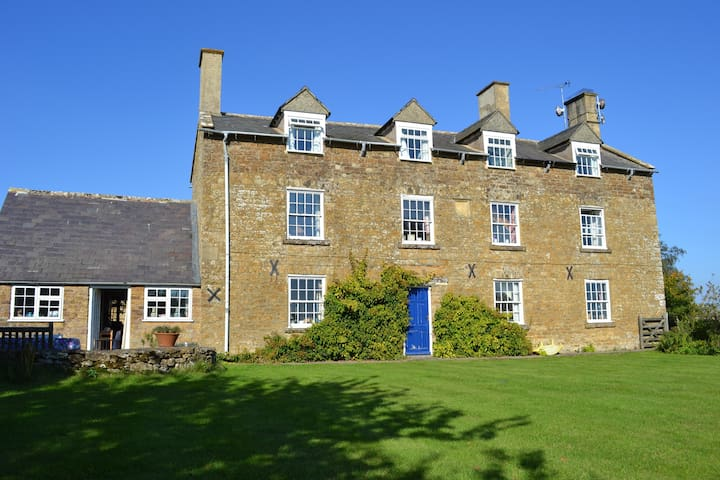 Unique, comfortable Cotswold B & B - Lower Brailes - Bed & Breakfast
