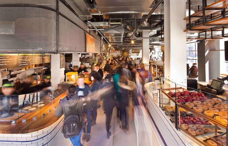 Home to City Kitchen, Times Square's first indoor food market, guests can indulge in the city's best dishes right on property. City Kitchen showcases seven of New York's most buzzed about restauranteurs, each bringing their most crave-worthy dish.