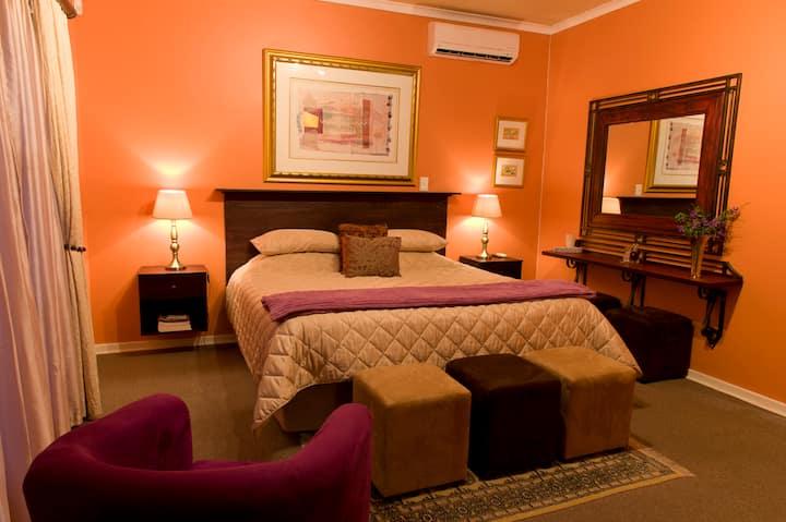Primavera Guesthouse Peach room