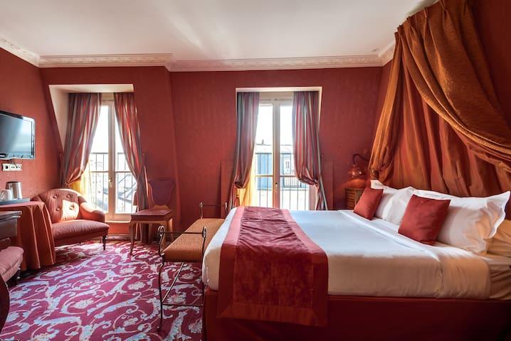 Romantic and rococo room w/ free breakfast