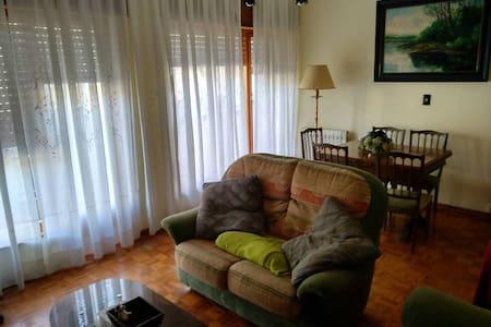 Amplio y cómodo piso en una zona tranquila.