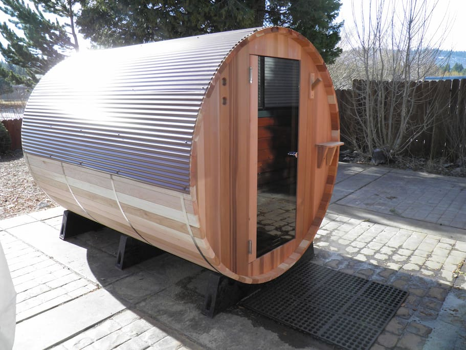 sauna for up to 6 people
