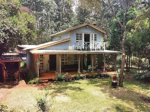 Blue Cottage - Paradise Retreat in Karen, Nairobi