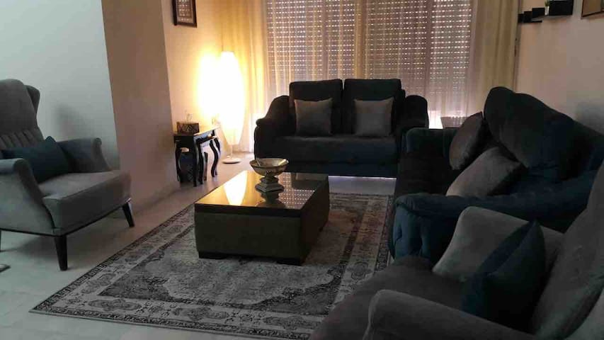 3 bedroom aprt, Amman, Khalda,Behind Mecca Mall.