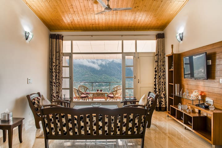 Chic - Intimate - Breathtaking view.