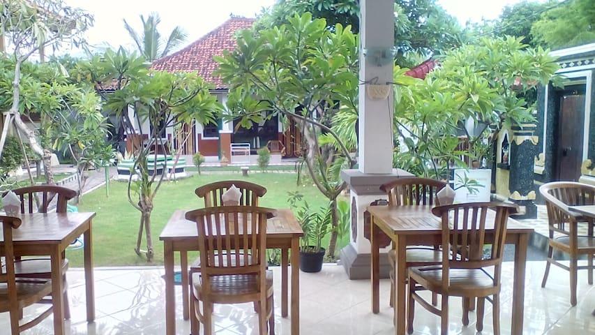 Puri Mandhara Lovina Buleleng Bali - Buleleng - Bed & Breakfast