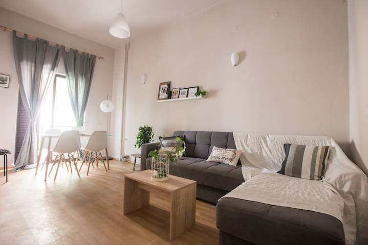 Chic and cheap city apartment