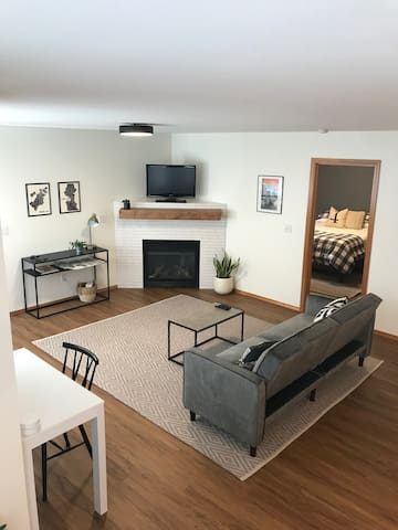 Spacious guest suite with gas fireplace, work station, high-speed wifi and sofa bed (6 feet long).